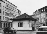 1962 Bankplatz kurz vor Abriss der Tankstelle