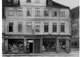 um 1900 Einhornhaus ( abgebrochen  )Ecke Münzstraße rechts : Feuerwehr